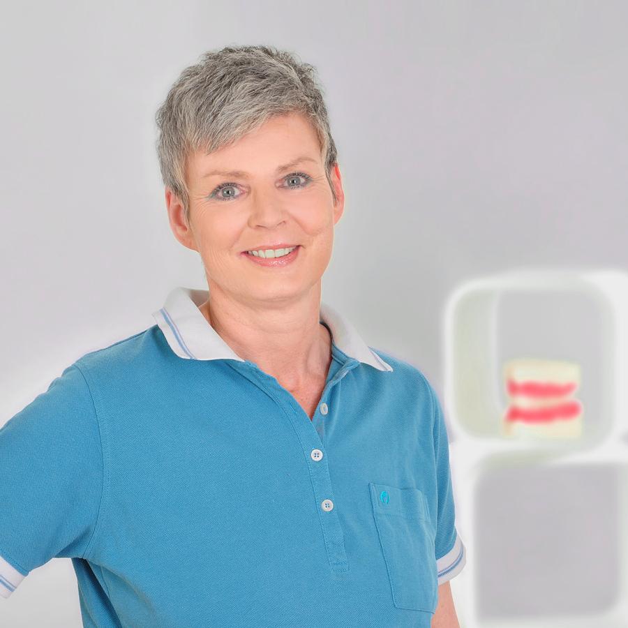 Annette HrobarschAnmeldung / Stuhlassistenz
